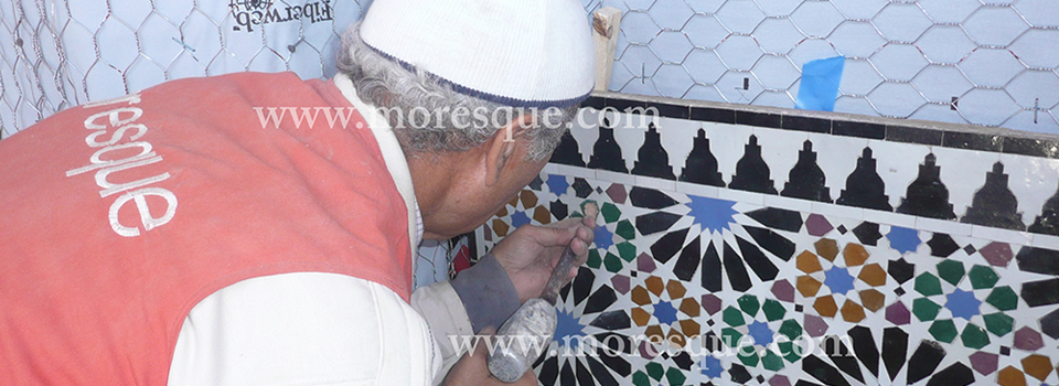 Installation of Moroccan tiles wall